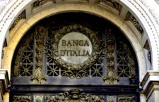 This picture shows a view of the building of Banca D'Italia on October 9, 2008 in Milan. Italian Prime Minister Silvio Berlusconi said the day before that the government is prepared to buy stakes in failing banks while waiving voting rights, as Rome sought to guarantee stability in the banking system. AFP PHOTO / DAMIEN MEYER