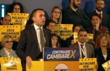 Bagno di folla per Di Maio, Avellino risponde in massa all'appello al voto del vicepremier