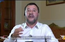 Migranti, Sea Watch e l'ira di Salvini, scopre in diretta tv lo sbarco dei migranti