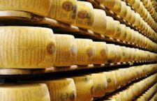 Made in Italy: Parmigiano Reggiano porta Kraft in tribunale